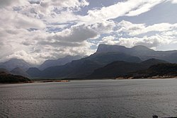 250px-Amaravathi_Dam_and_reservoir_-_panoramio_(3)