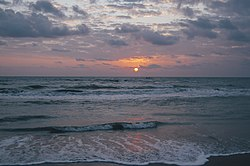 250px-Bay_of_Bengal_Sunrise_at_Nagapattinam_Beach